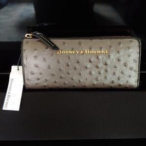 Dooney & Bourke ostrich pewter/black clutch wallet